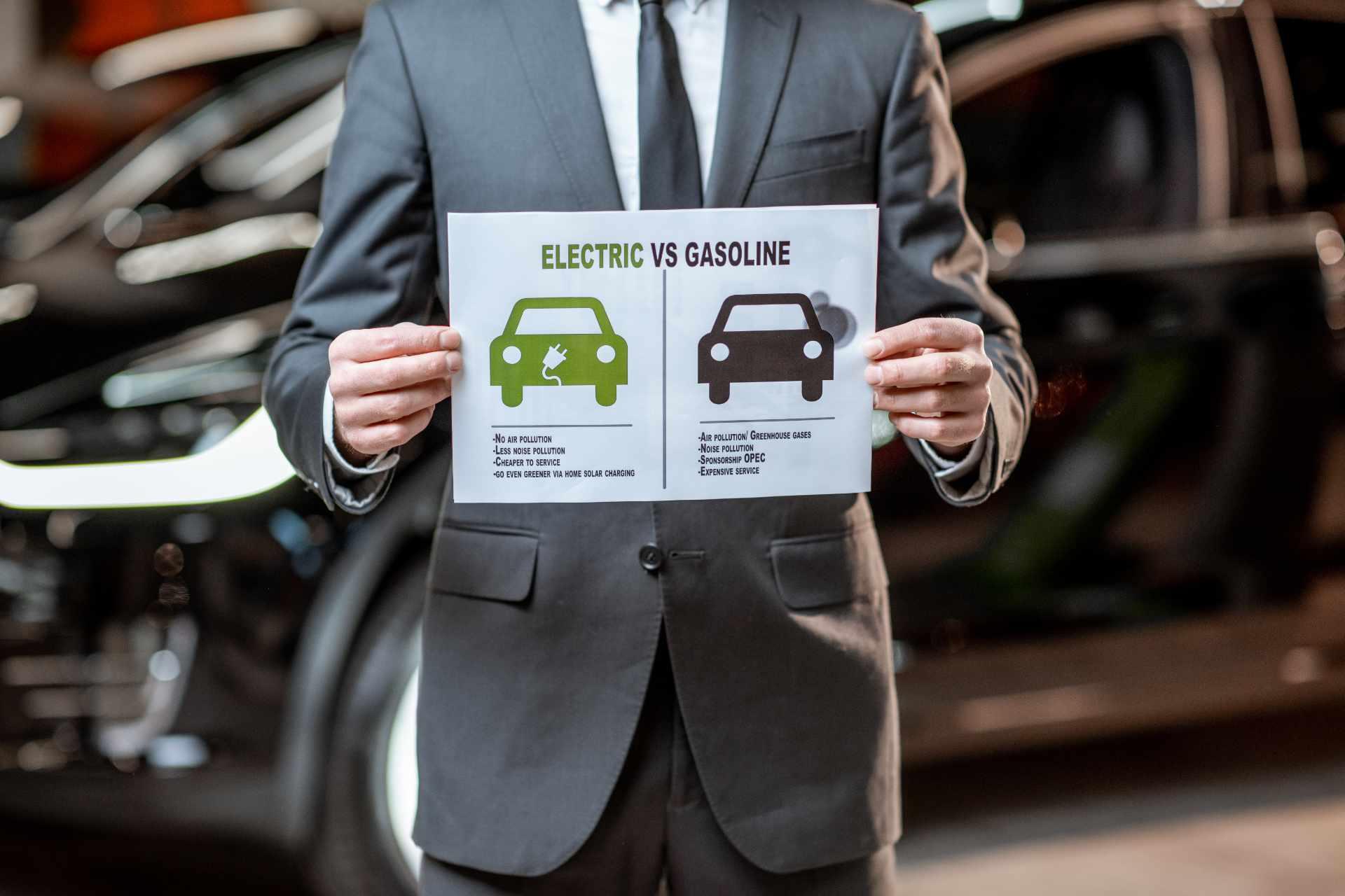 Automotive news - stop vendita di auto benzina e diesel